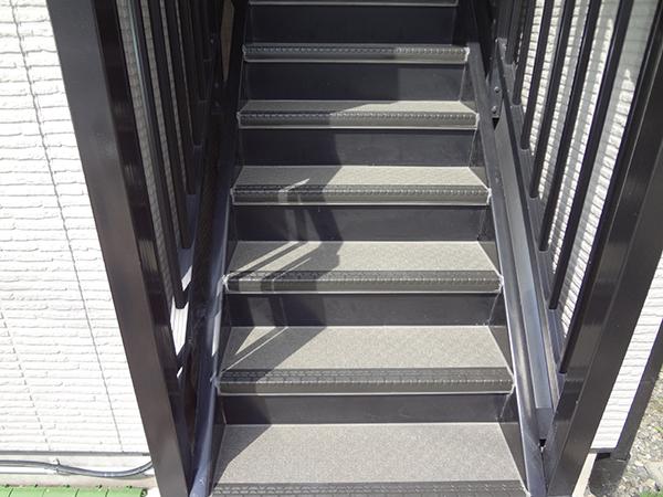 松本市 K様邸 階段シート貼替